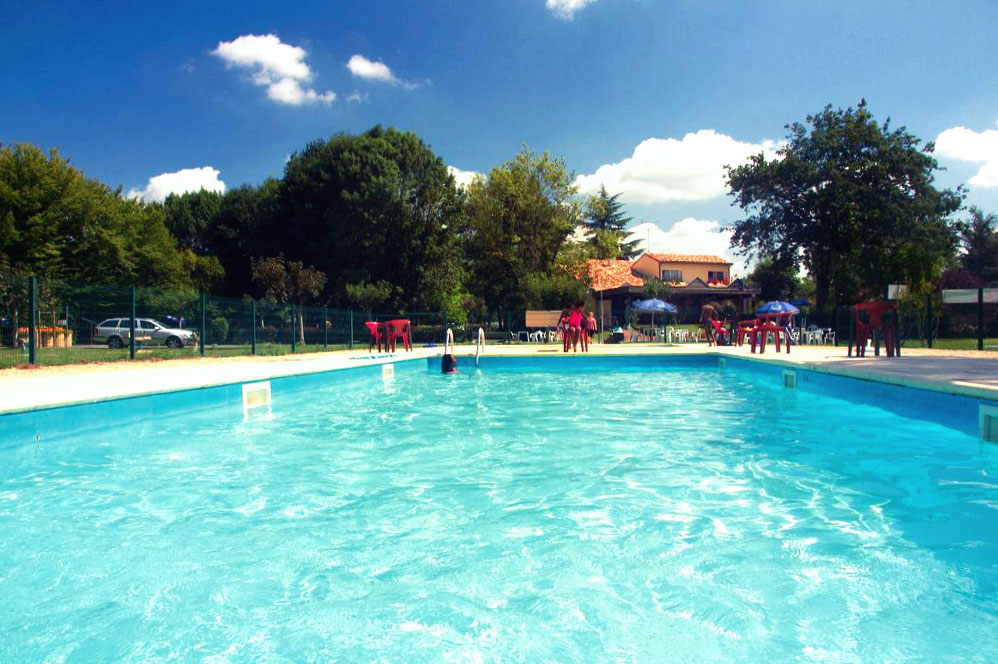 Camping le pontet campings mobil homes saint astier for Piscine le pontet