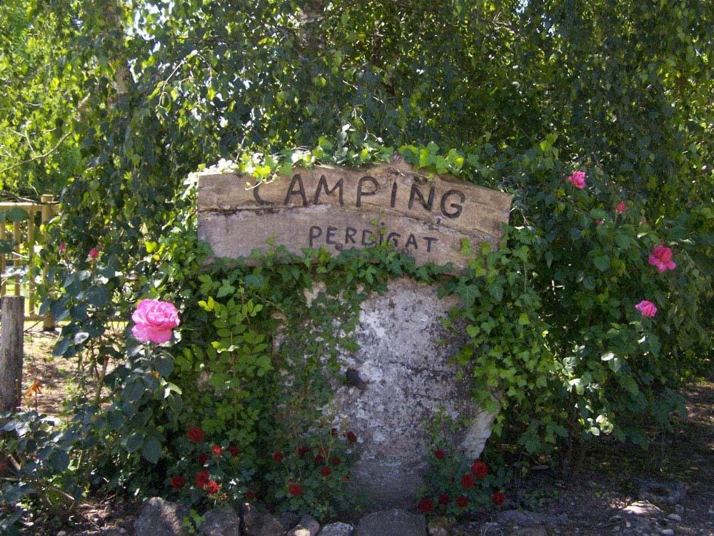 Camping la ferme de perdigat campings mobil homes limeuil for Camping a la ferme dordogne piscine