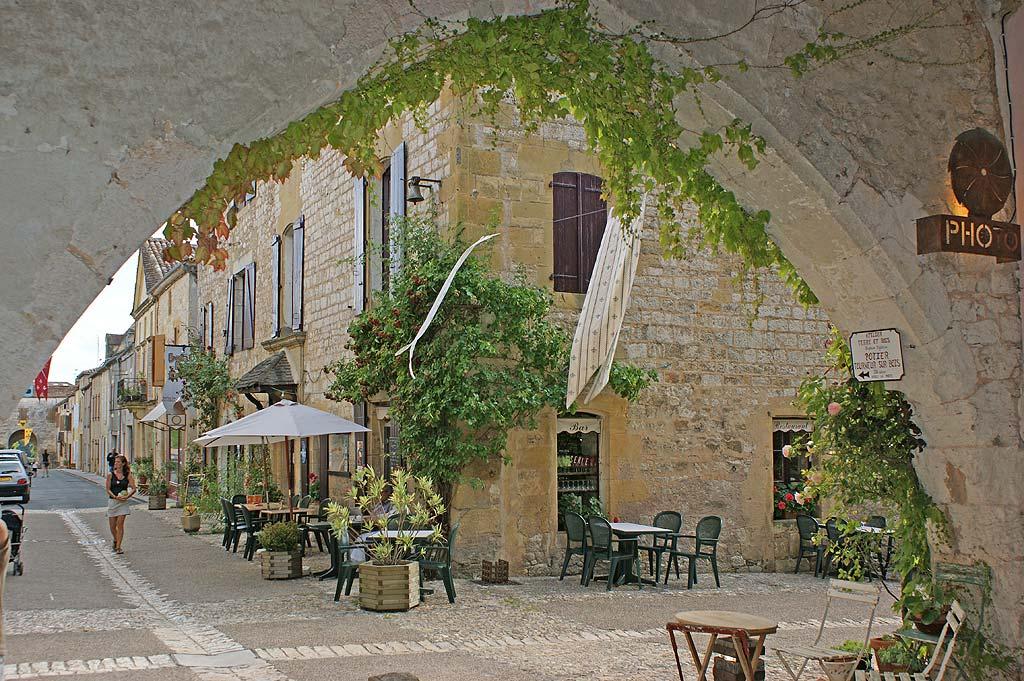 BASTIDE DE MONPAZIER - Villes, Villages et Bastides à Monpazier