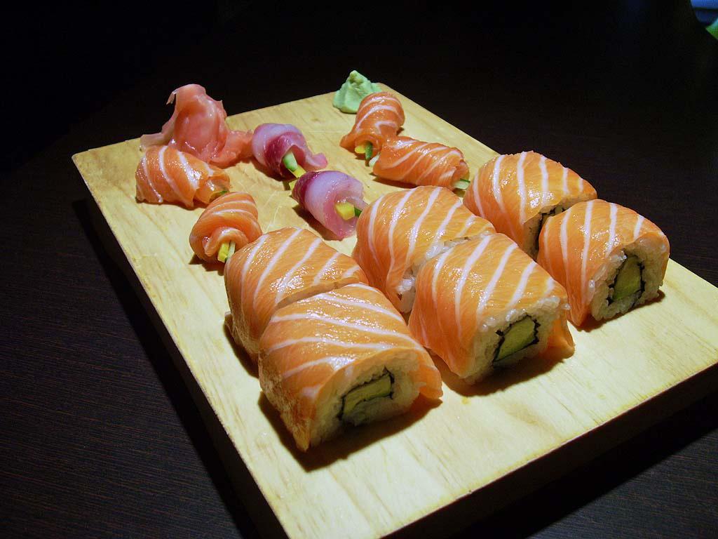 Sakura Restaurant Japonais Cuisine Japonaise A Trelissac