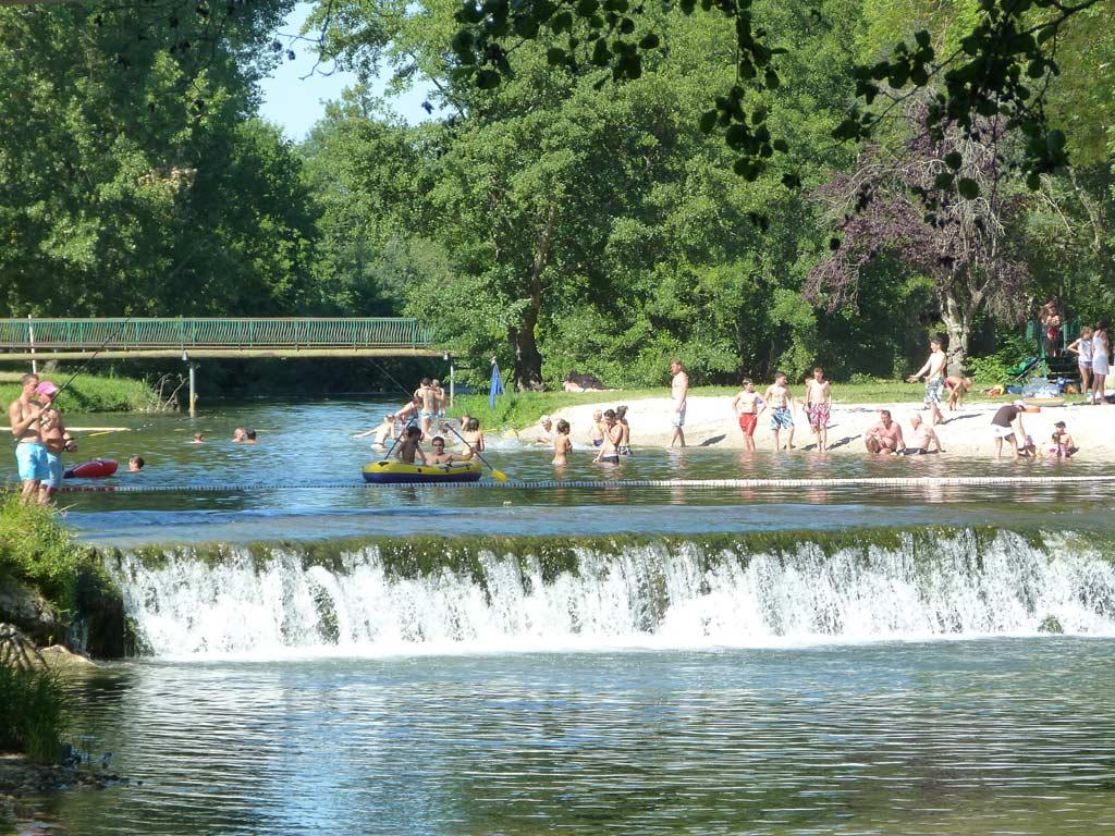 Base de loisirs de saint aulaye bases de loisirs parcs for Piscine libertine