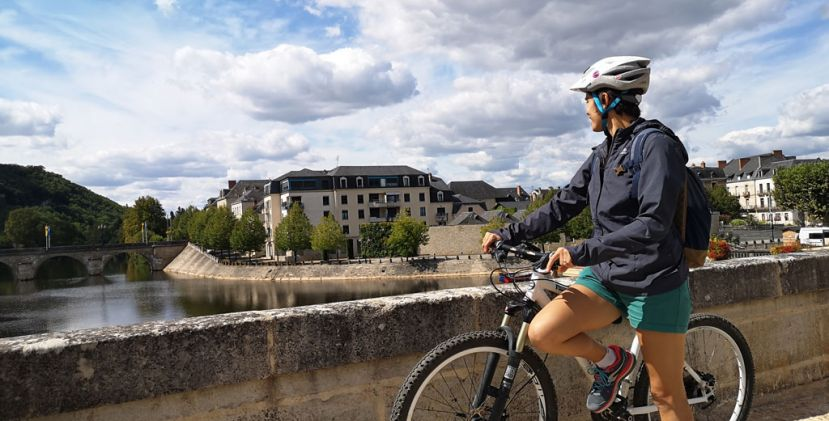 Ride your bike and discover the city of Terrasson-Lavilledieu