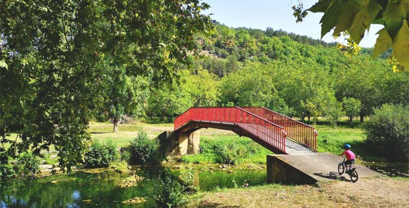 The cycle route of the Céou Valley: from Castelnaud-la-Chapelle to Daglan