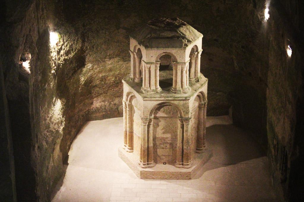 L'église monolithe d'Aubeterre-sur-Dronne - Saint-Sépulcre