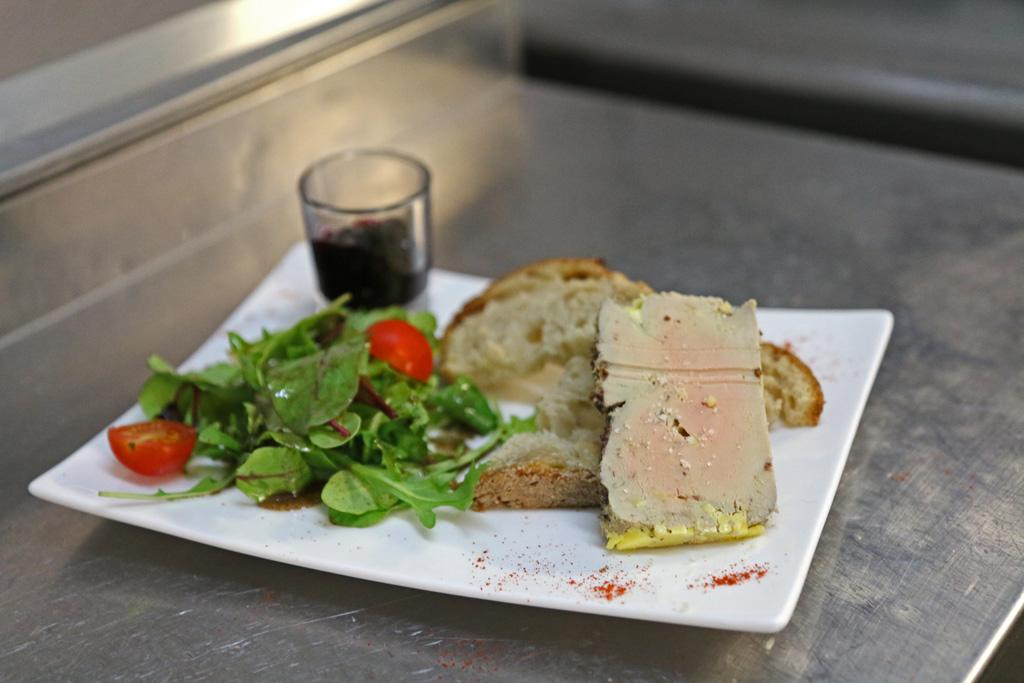 Simple et délicieux, c'est ainsi que l'on déguste les foies-gras préparés avec s