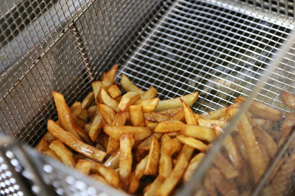 Les frites, c'est sérieux et ici, vous ne serez pas déçus