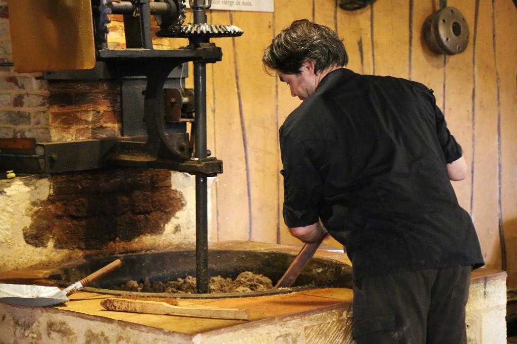 La chauffe de la pâte de noix