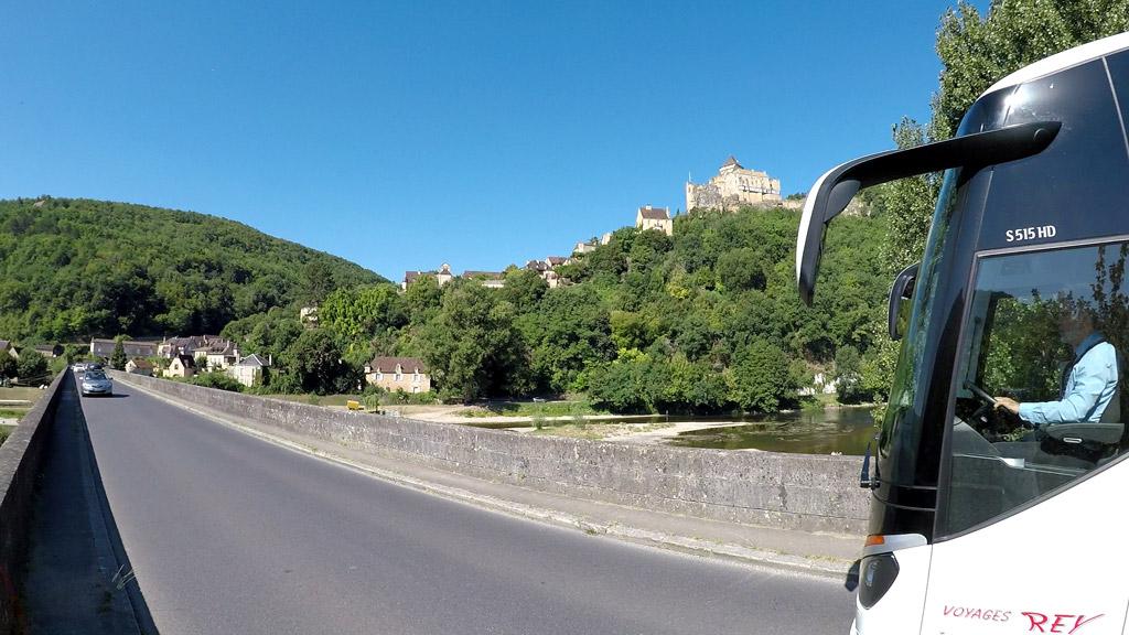 A Castelnaud-la-Chapelle, voyez le château en haut