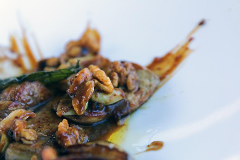 Le goût délicat et rustique des noix, est parfait pour compléter la texture soye
