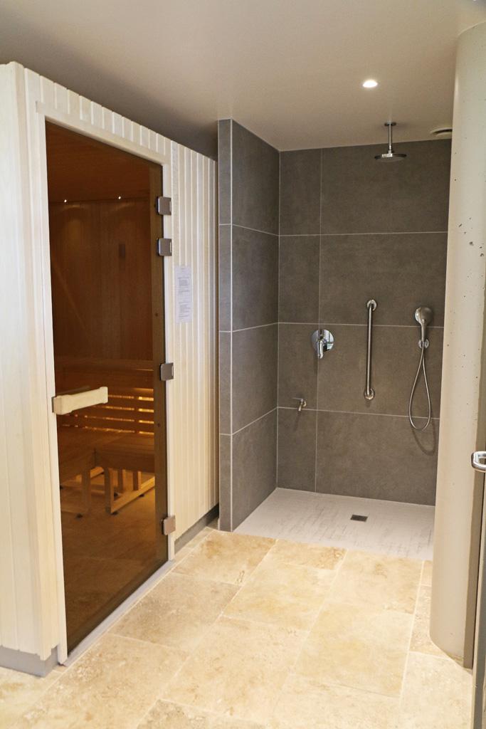 La douche et le sauna