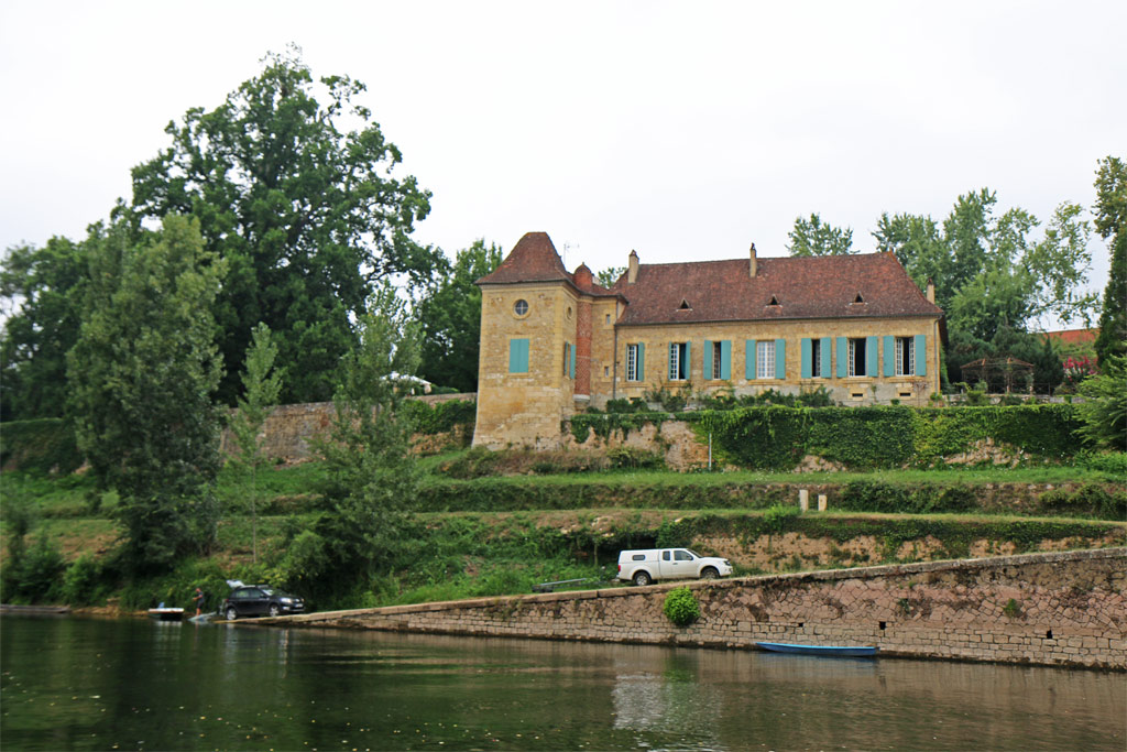 Vieux moulin sur la Dordogne Les Gabarres de Bergerac