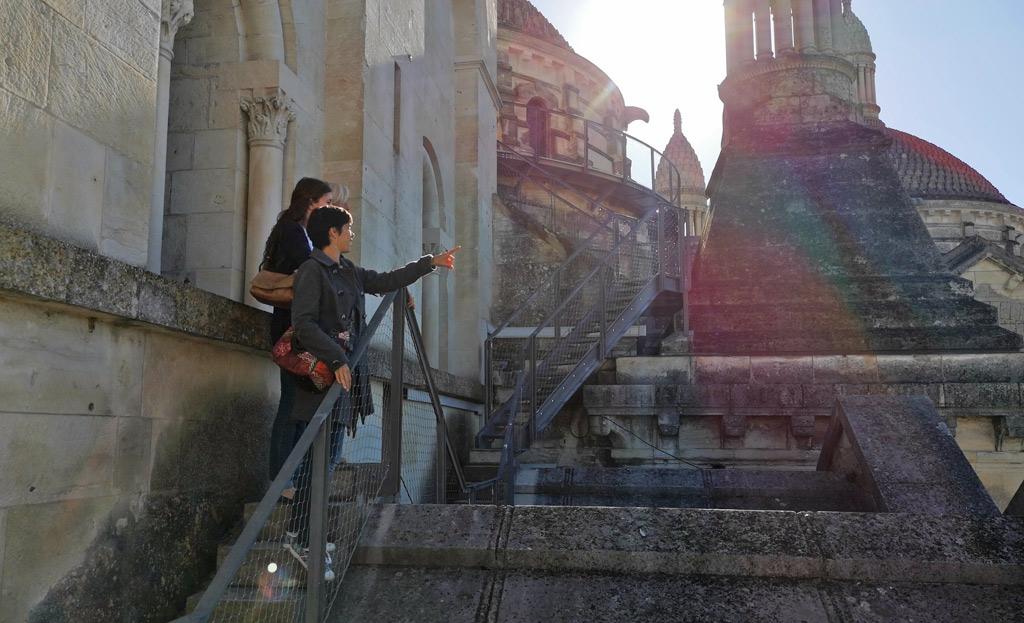Les escaliers métalliques cathédrale saint front de périgueux