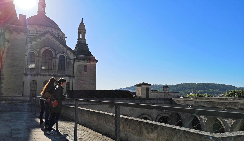Le premier palier de la cathédrale saint front de périgueux