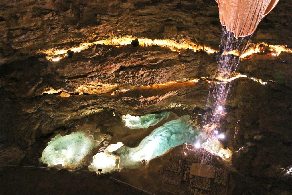 ecoulement eau gouffre de proumeyssac