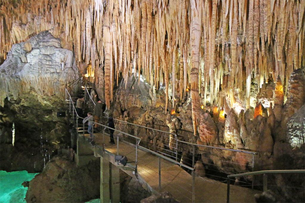 passerelle stalagtites