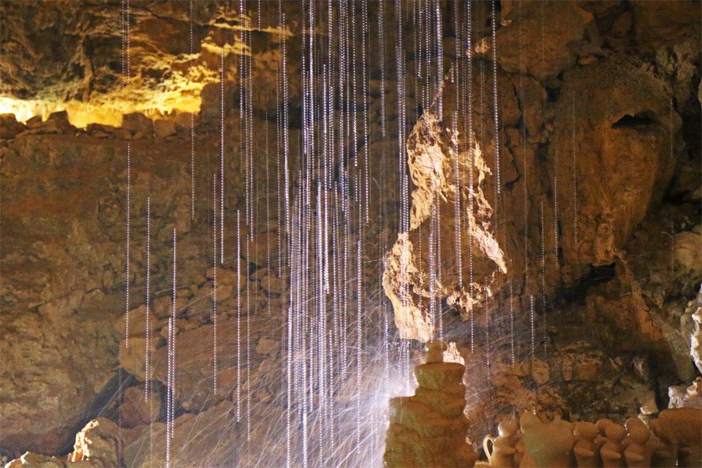 eau gouffre de proumeyssac