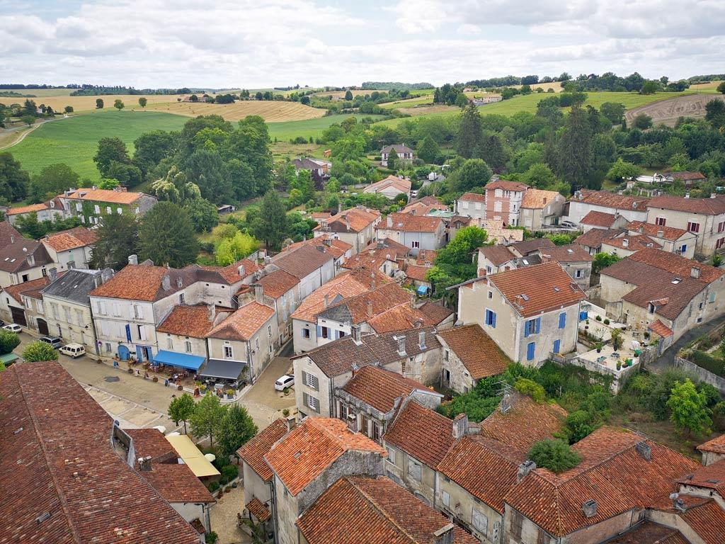 village de bourdeilles