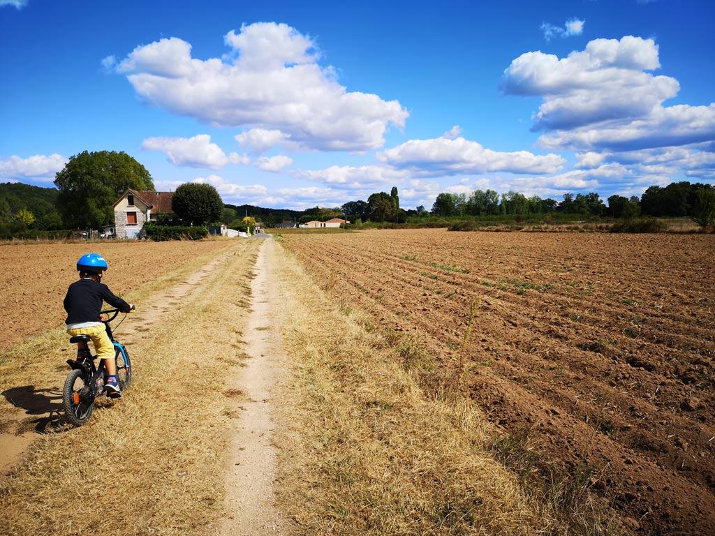 champs promenade velo