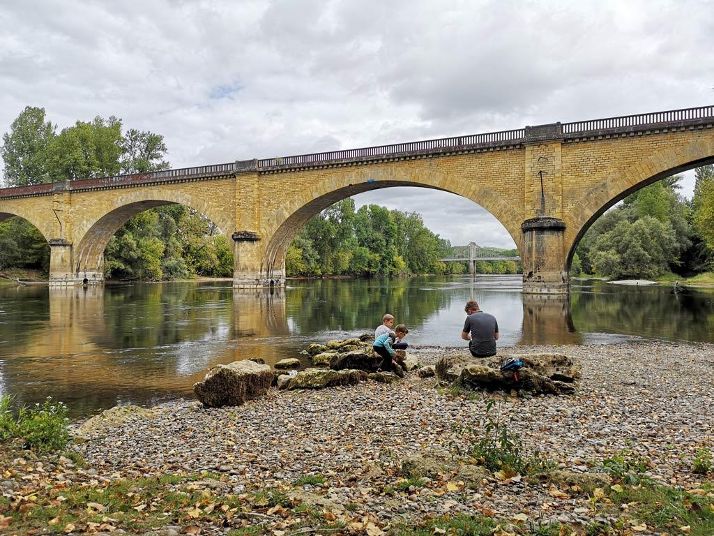 Pique nique au bord de la Dordogne