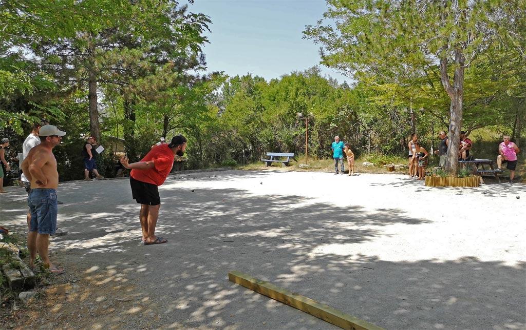 petanque competition camping de la grande prade