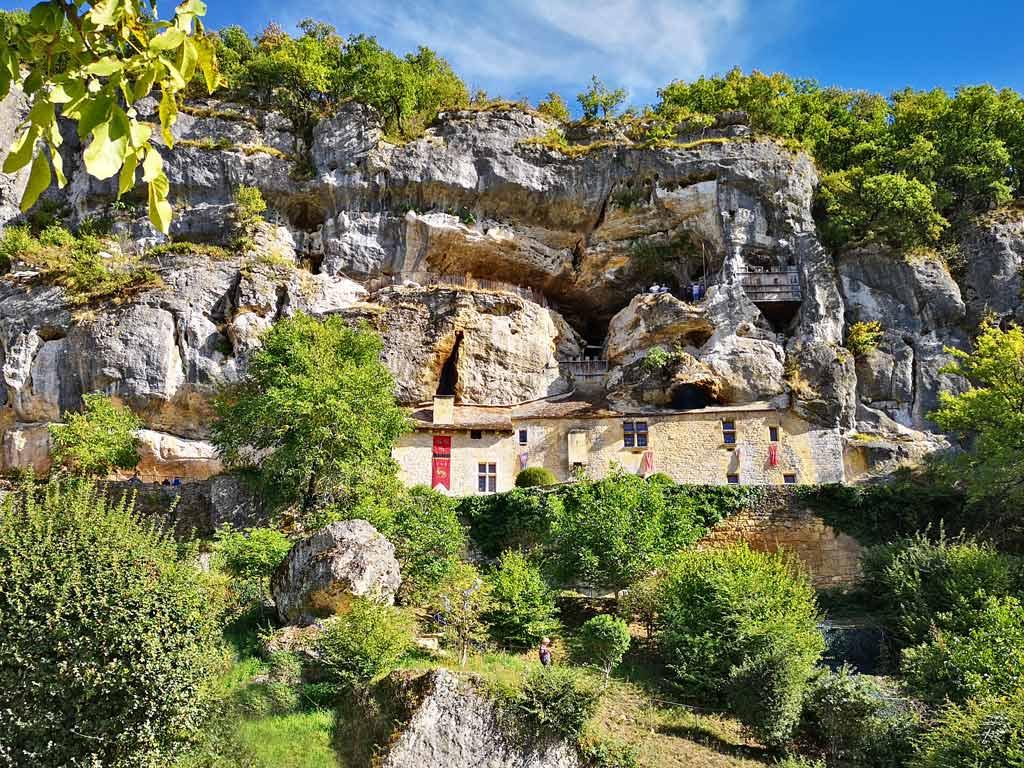 La Maison Forte de Reignac : Mystérieux château-falaise du