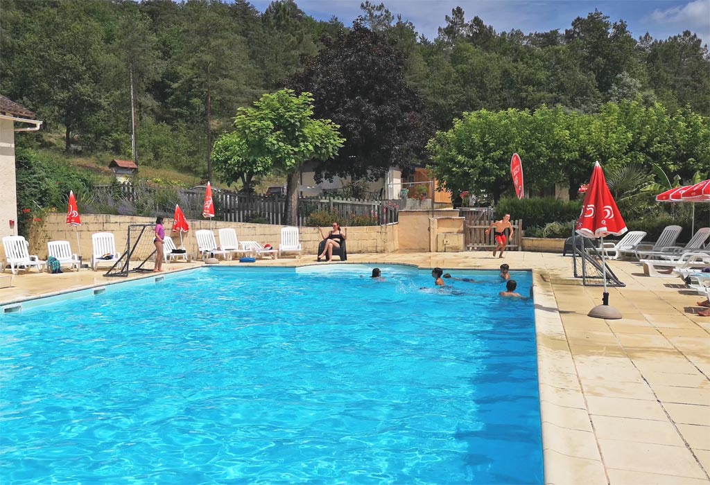 piscine Camping La Castillonderie Thonac