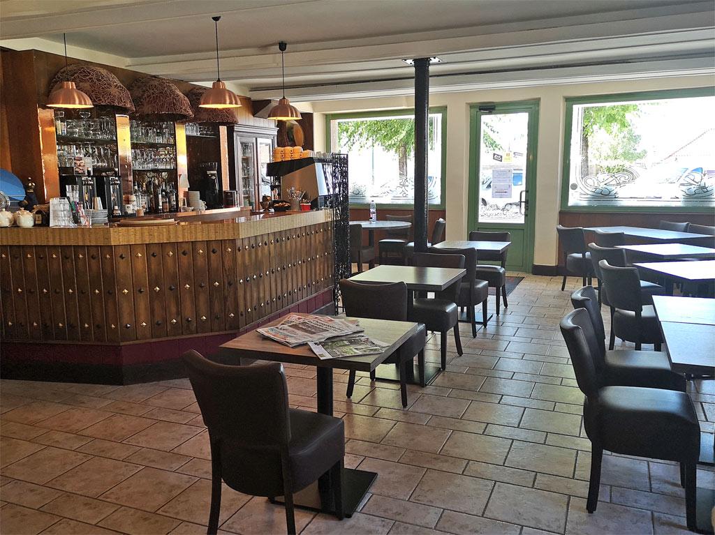Logis Hôtel Les Voyageurs La Coquille