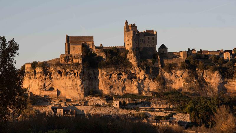 Coucher de soleil sur le château de Beynac
